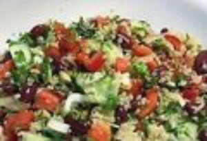 Bønne- og quinoasalat