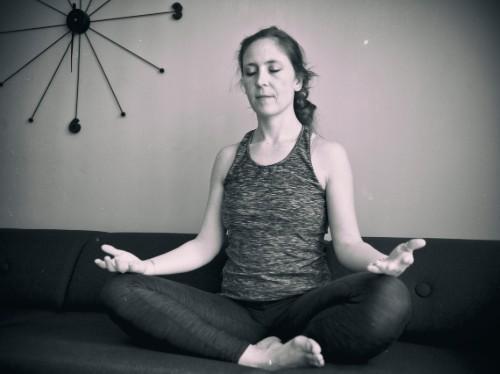 Louise Rostgaard i meditation
